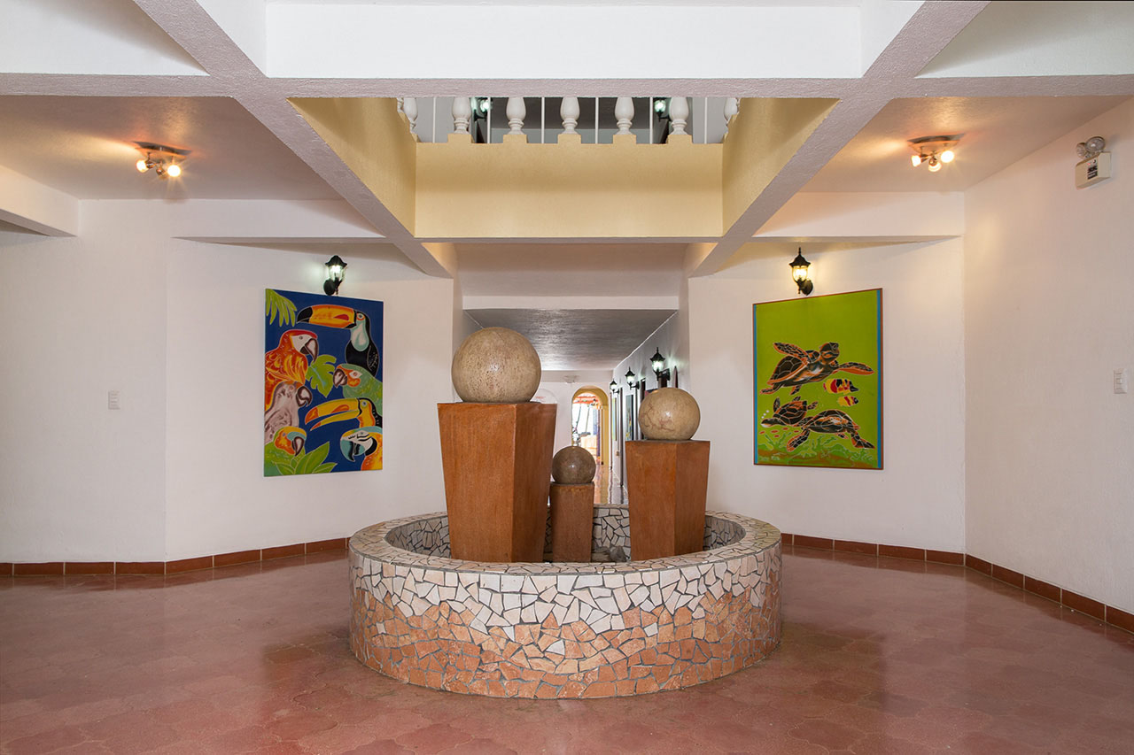 El Velero Hotel downstairs feature