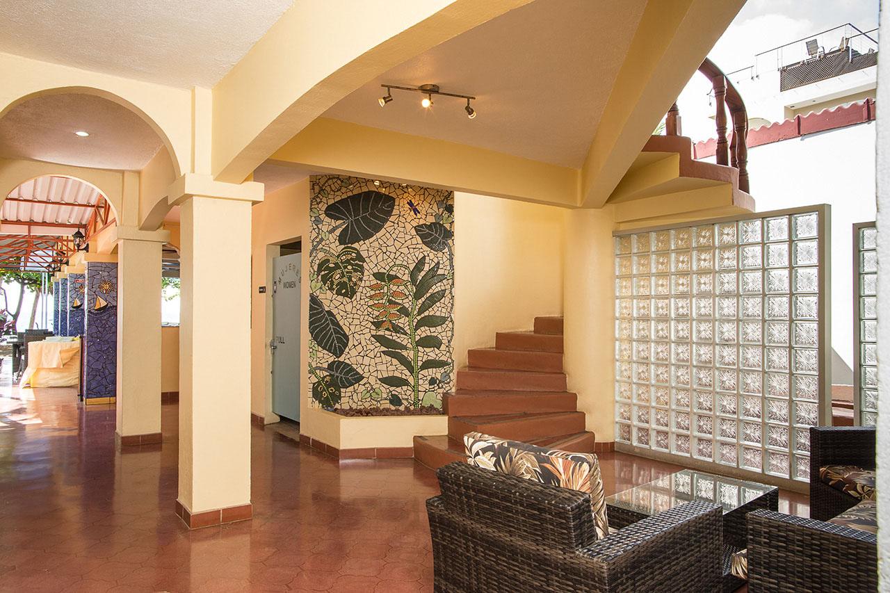 El Velero Hotel Lounge