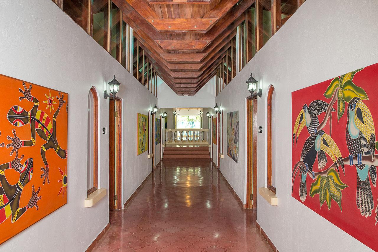 El Velero Hotel hallway