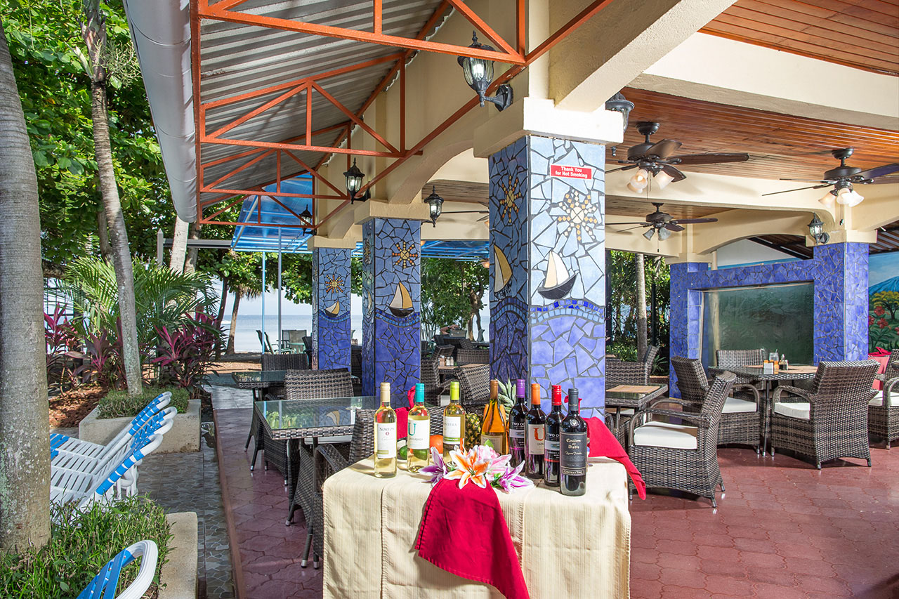 El Velero Hotel poolside Restaurant
