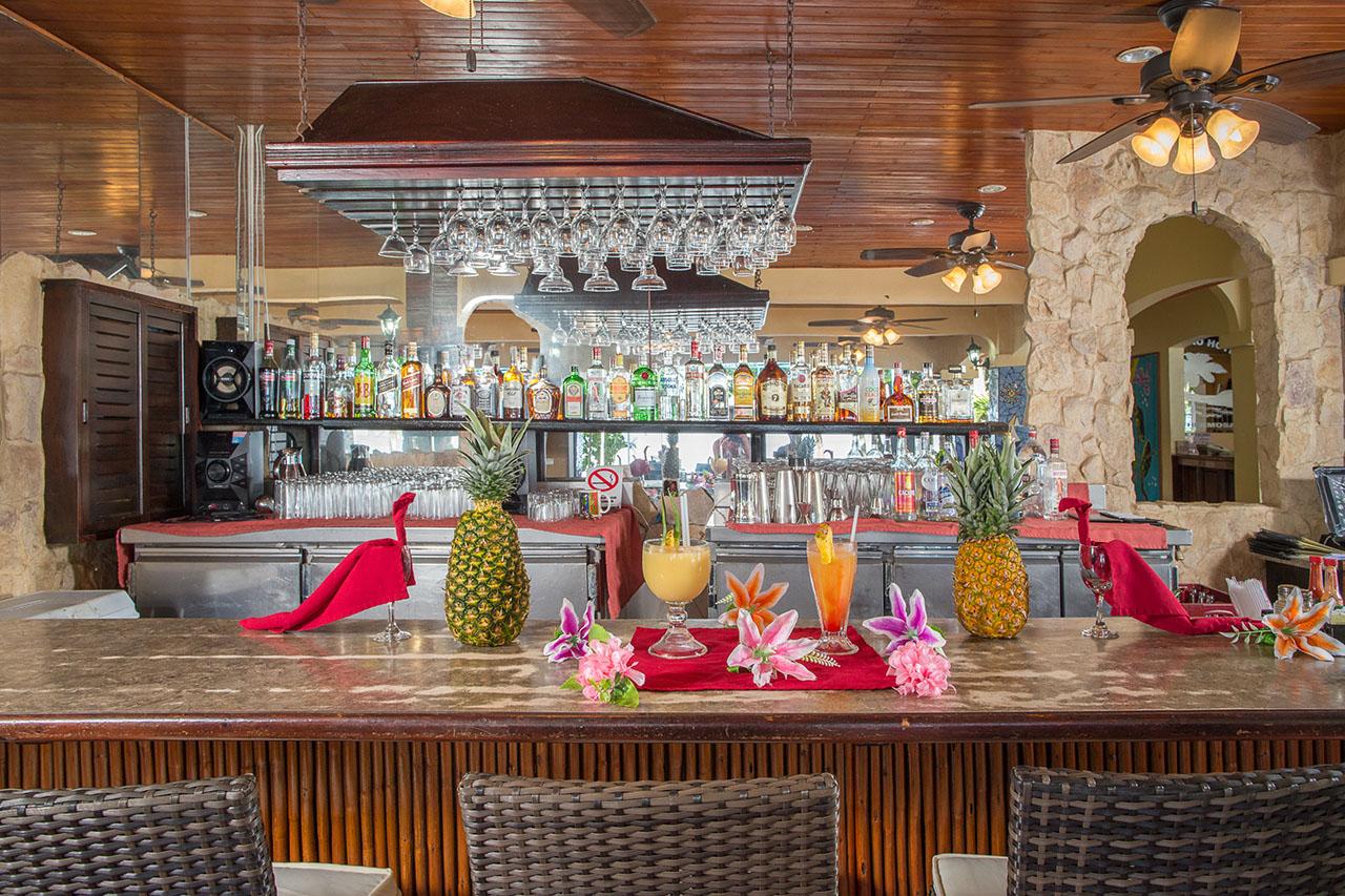 El Velero Hotel Bar