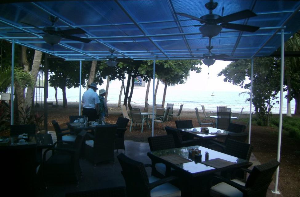 Al Fresco Dining at El Velero Hotel