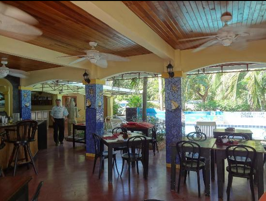 El Velero Hotel Restaurant and pool