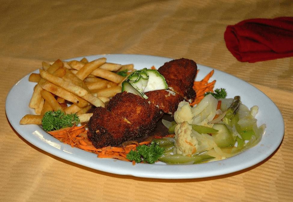 Dinner at El Velero Hotel